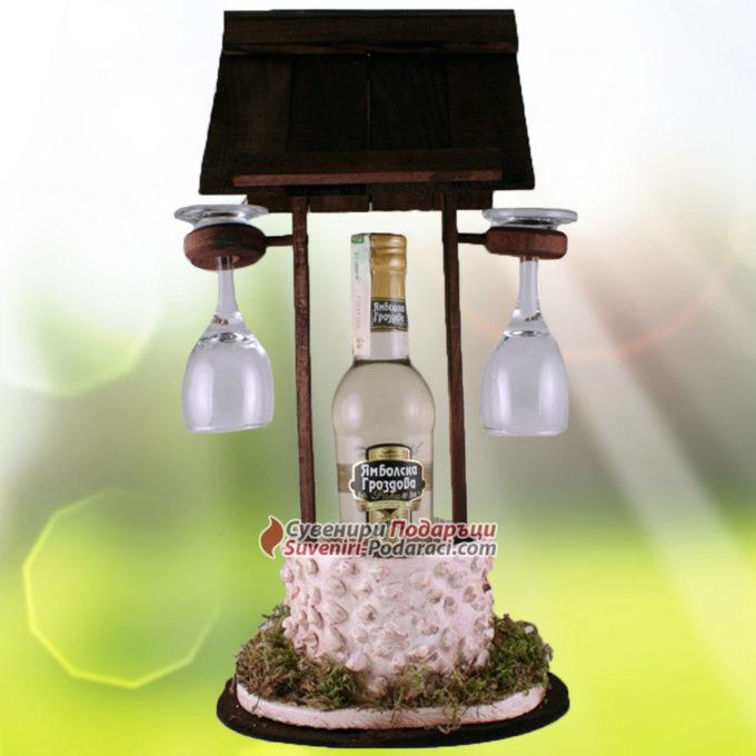 Декоративен Геран с ракия и две чаши