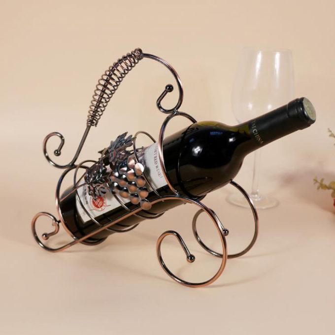 Метална поставка за вино